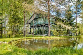 Osko Village – готовый загородный особняк в стиле «фахверк»