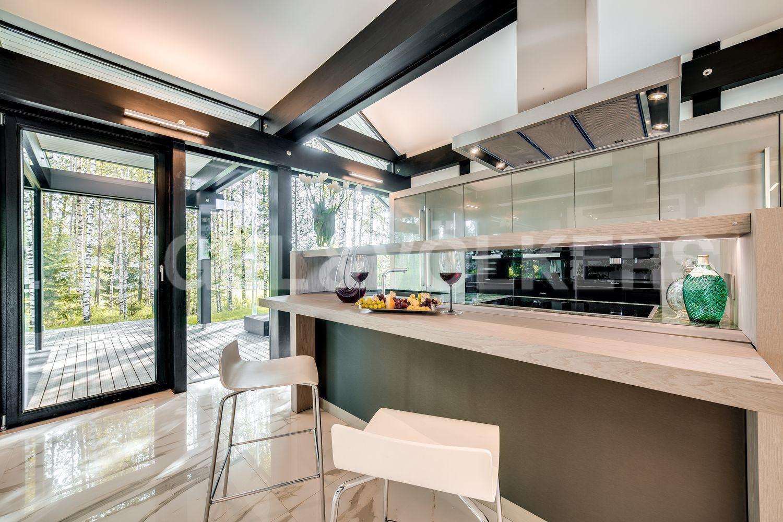 Кухня с выходом на террасу
