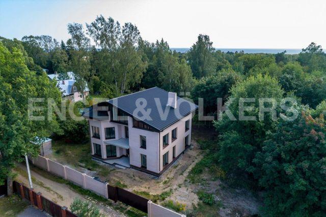 г. Зеленогорск – загородный дом в окружении парка и Жемчужного ручья рядом с Финским з-ом