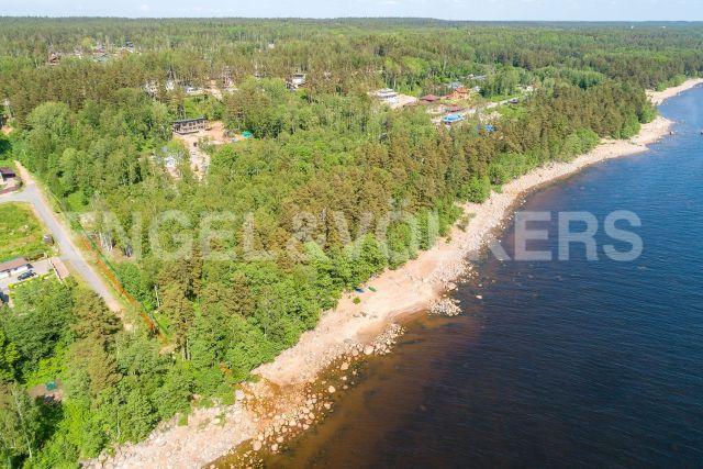 «Морские террасы» – участок на 1-ой линии Финского з-ва в клубном поселке