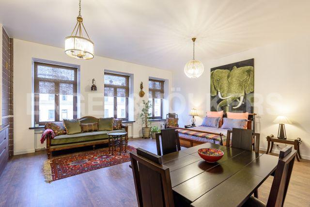 Невский пр., 73-75 — open space в колониальном стиле