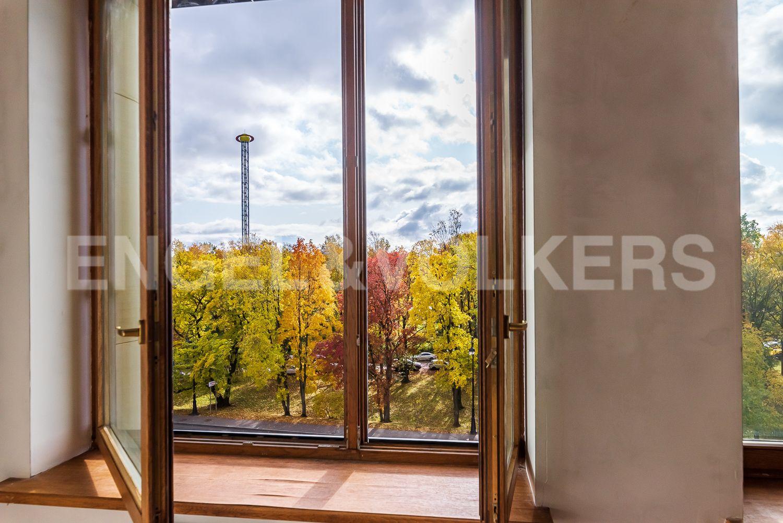 Элитные квартиры на . Санкт-Петербург, наб. Мартынова, 74. Вид на парк