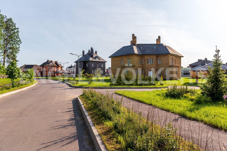 Вид на территорию поселка. Прогулочные дорожки