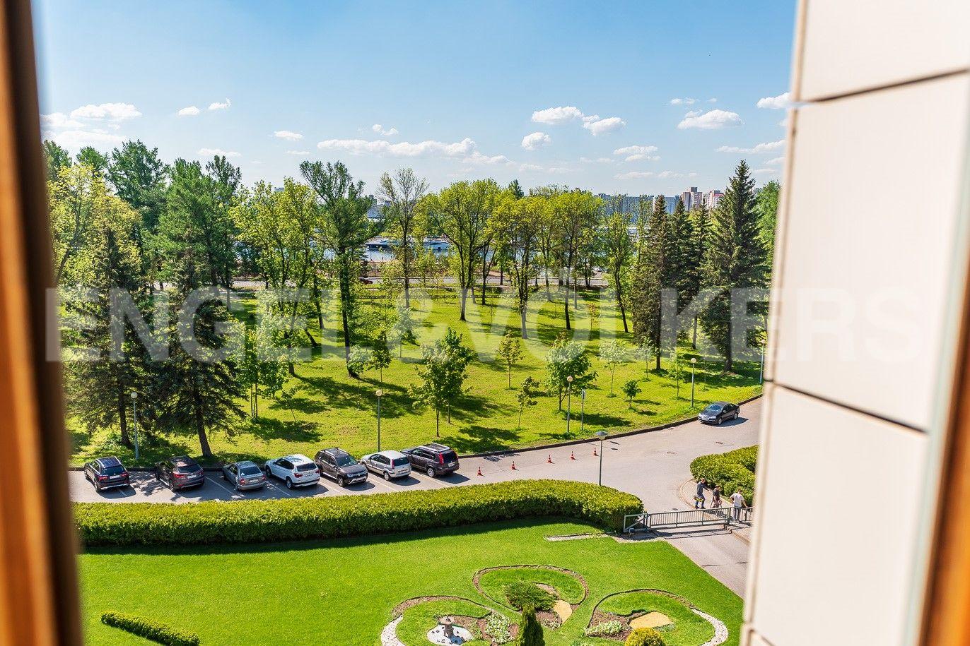 Элитные квартиры на . Санкт-Петербург, Южная дор., д.5А. Подъезд к комплексу