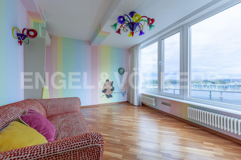 Элитные квартиры в Приморском районе. Санкт-Петербург, Приморский пр., д.137. Детская комната