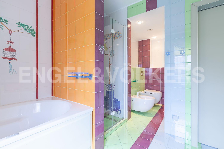 Элитные квартиры в Приморском районе. Санкт-Петербург, Приморский пр., д. 137. Детская ванная комната
