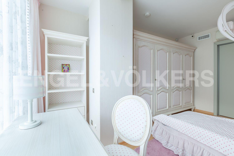 Элитные квартиры в Приморском районе. Санкт-Петербург, Приморский пр., д. 137. Детская комната