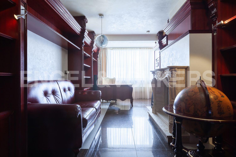 Элитные квартиры в Приморском районе. Санкт-Петербург, Приморский пр., д.137. Кабинет
