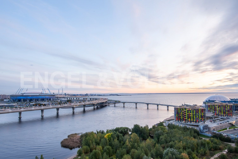 Элитные квартиры в Приморском районе. Санкт-Петербург, Приморский пр., д.137. Панорамный вид на акваторию Финского залива