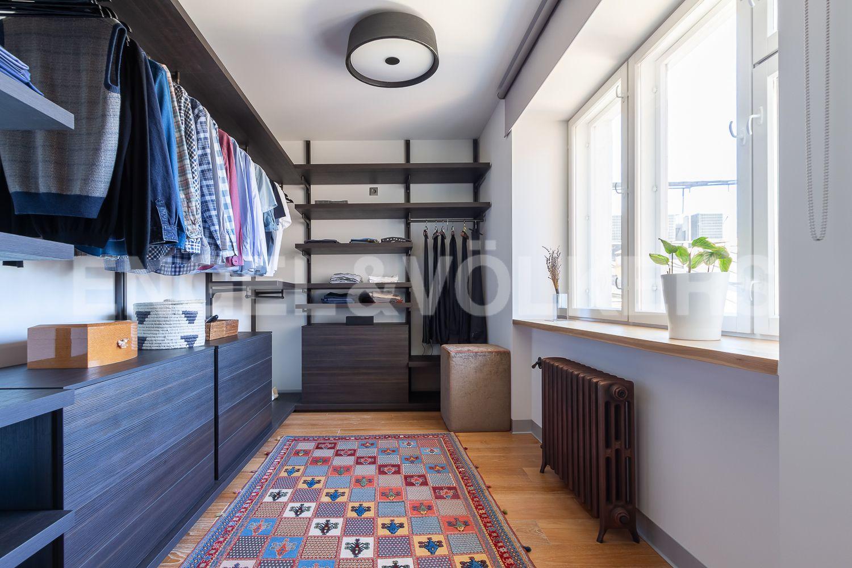 Элитные квартиры в Центральном районе. Санкт-Петербург, Невский пр, 123. 015_Гардеробная комната