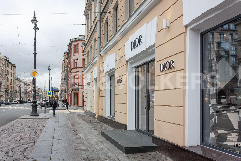 Элитные квартиры в Центральном районе. Санкт-Петербург, Невский пр., 123. 023_Магазины Premium класса
