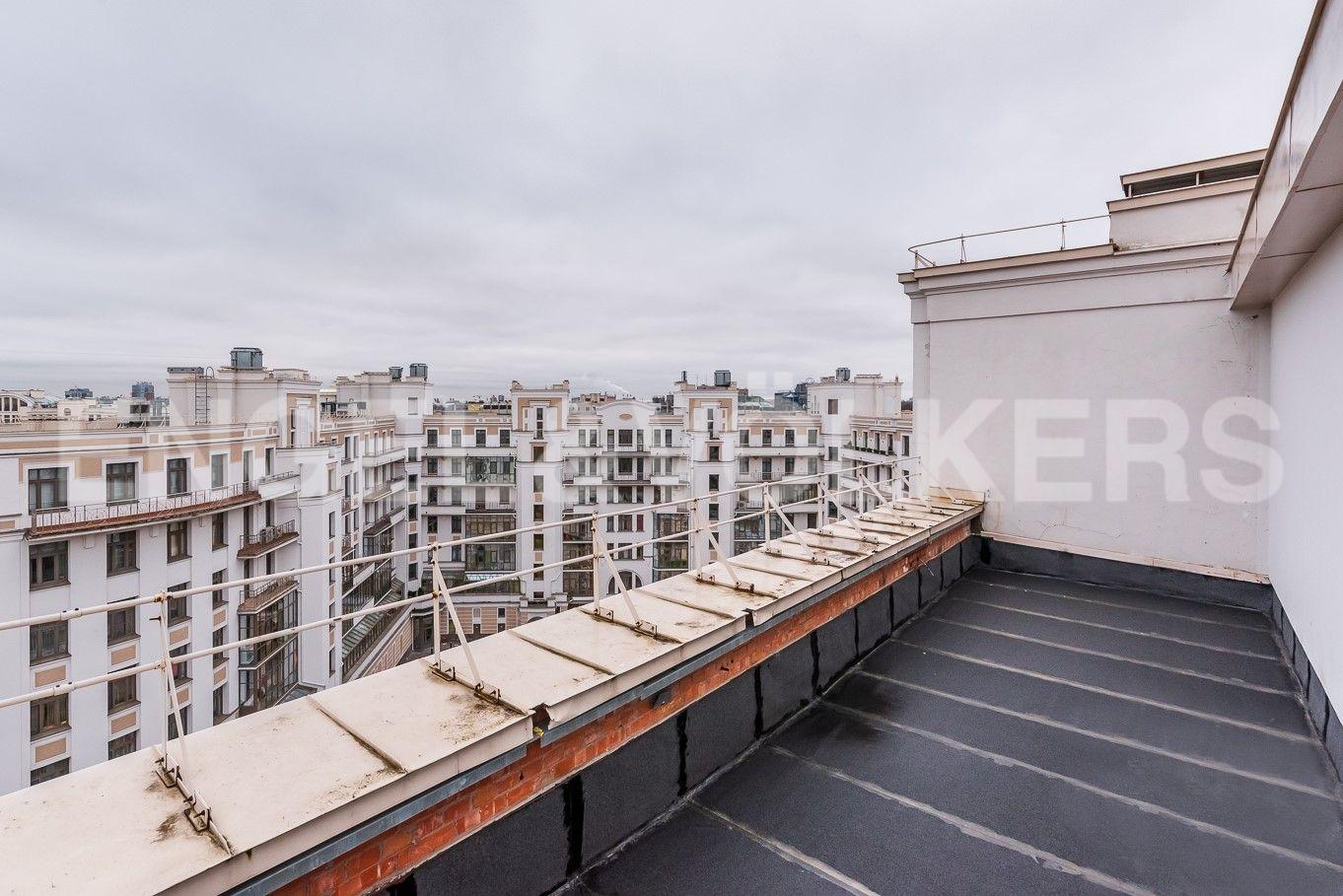 Элитные квартиры на . Санкт-Петербург, Морской пр, 33. Открытая терраса
