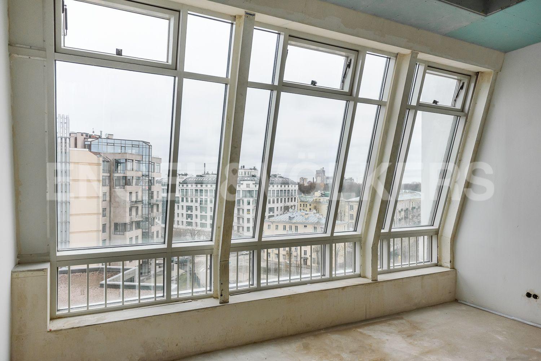 Элитные квартиры на . Санкт-Петербург, Морской пр, 33. Панорамное остекление