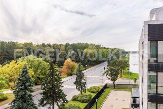 Наб. Мартынова, 74 – панорамный вид на парк и функциональная планировка