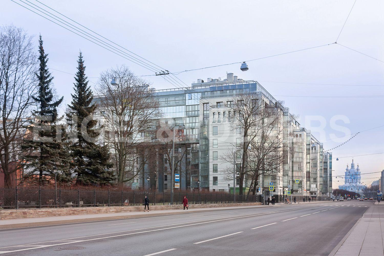 Элитные квартиры в Центральном районе. Санкт-Петербург, ул. Шпалерная, д. 60. 01