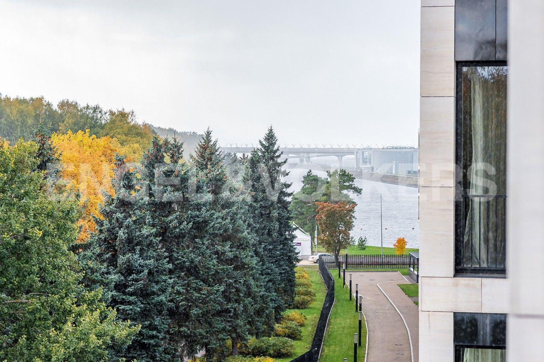 Элитные квартиры на . Санкт-Петербург, наб. Мартынова, 74Б. Гребной канал