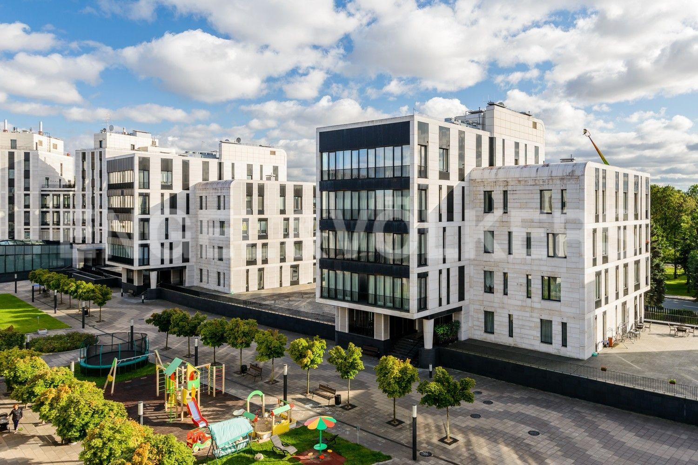 Элитные квартиры на . Санкт-Петербург, наб. Мартынова, 74. Территория комплекса