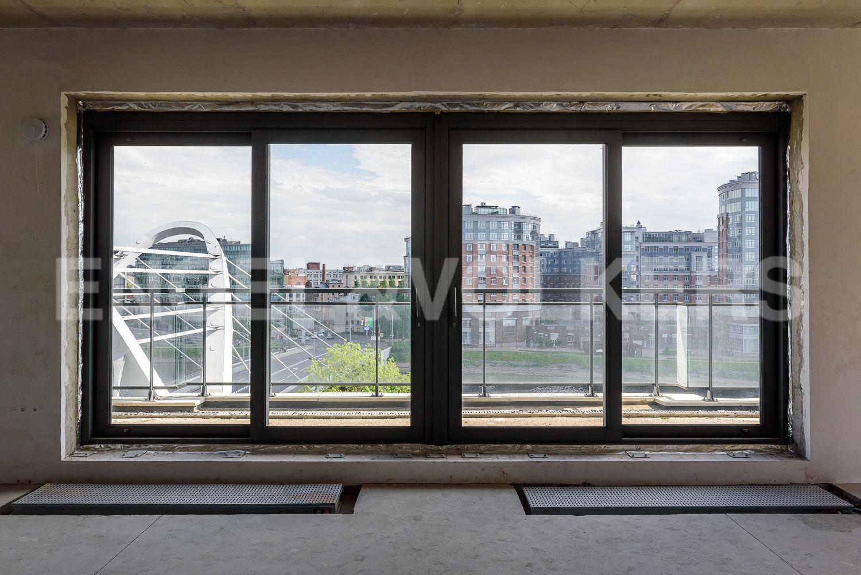 Элитные квартиры на . Санкт-Петербург, ул.Спортивная, д. 2, строение 1. Панорамные окна