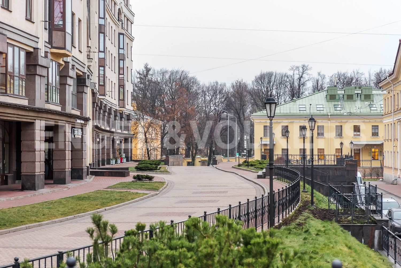 Элитные квартиры в Центральном районе. Санкт-Петербург, ул. Парадная, д. 3, к. 2. Выход к Таврическому саду