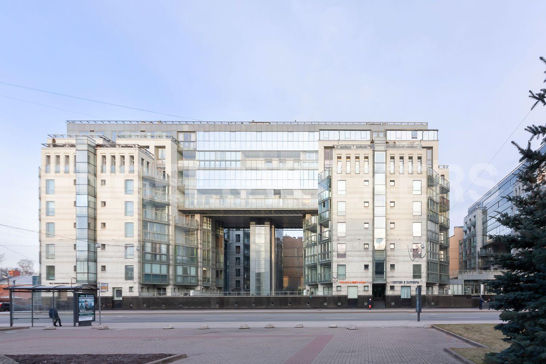Элитные квартиры в Центральном районе. Санкт-Петербург, ул. Шпалерная, д. 60. Фасад дома со стороны Шпалерной улицы