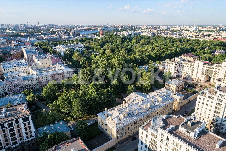 Элитные квартиры в Центральном районе. Санкт-Петербург, ул. Парадная, д. 3, к. 2. Таврический сад