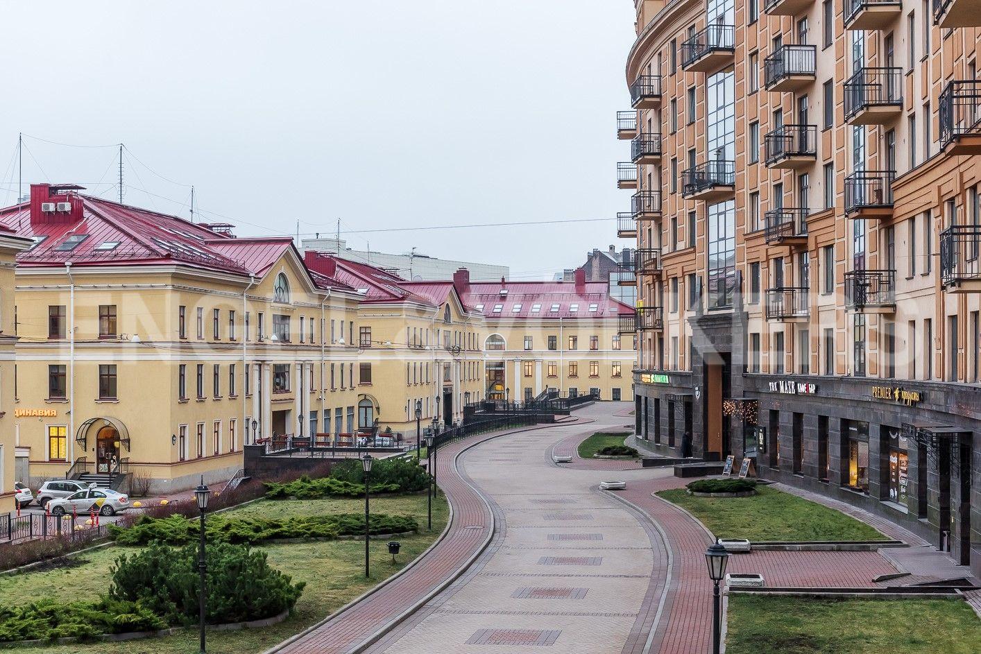 Элитные квартиры в Центральном районе. Санкт-Петербург, ул. Парадная, д. 3, к. 2. Прогулочная зона