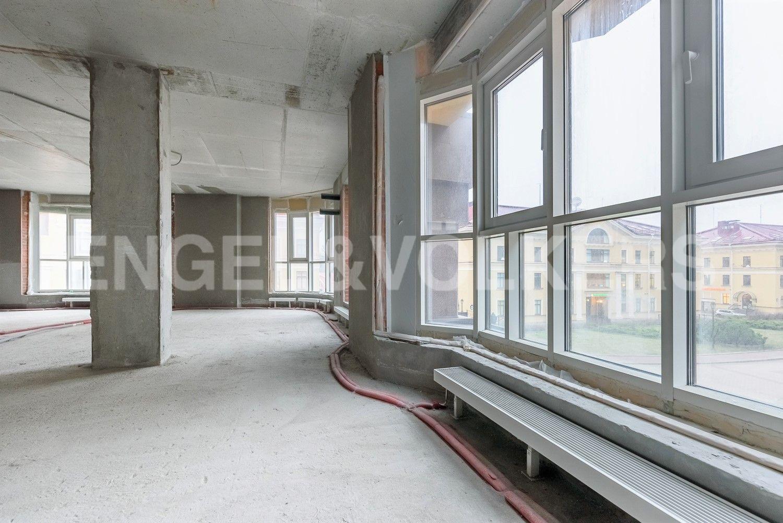 Элитные квартиры в Центральном районе. Санкт-Петербург, ул. Парадная, д. 3, к. 2. Панорамные окна
