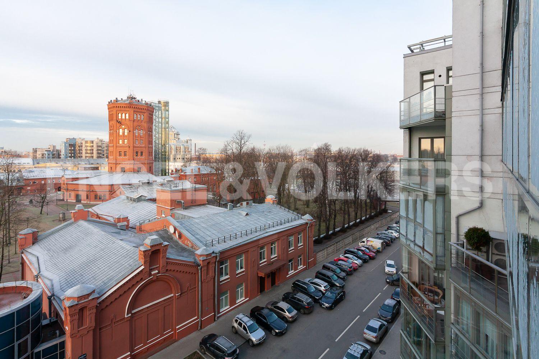 Элитные квартиры в Центральном районе. Санкт-Петербург, ул. Шпалерная, д. 60. Вид из окон в сторону Невы