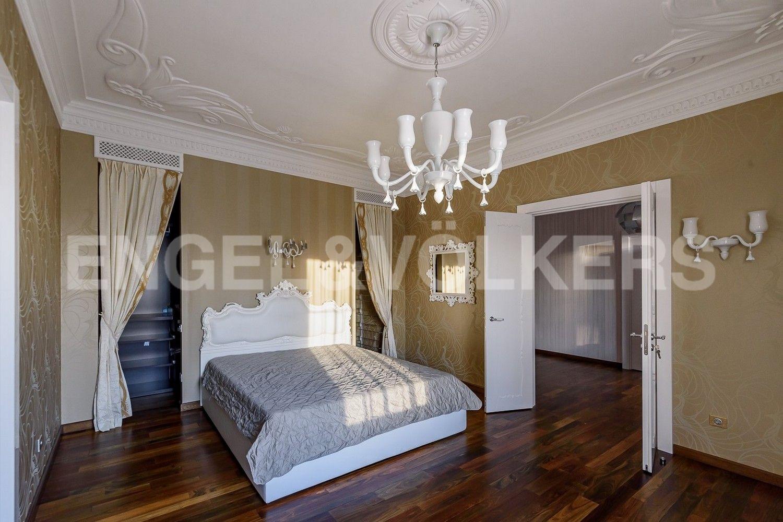 Элитные квартиры на . Санкт-Петербург, наб. Мартынова, 74Б. Спальня с гардеробной