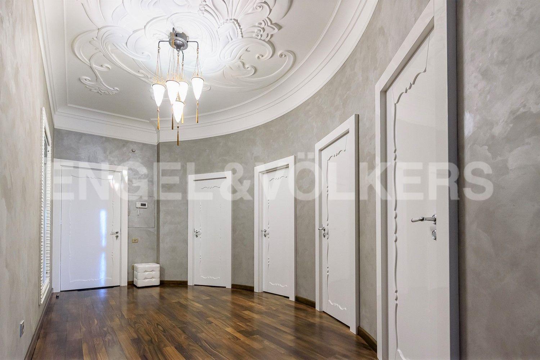 Элитные квартиры на . Санкт-Петербург, наб. Мартынова, 74Б. Холл