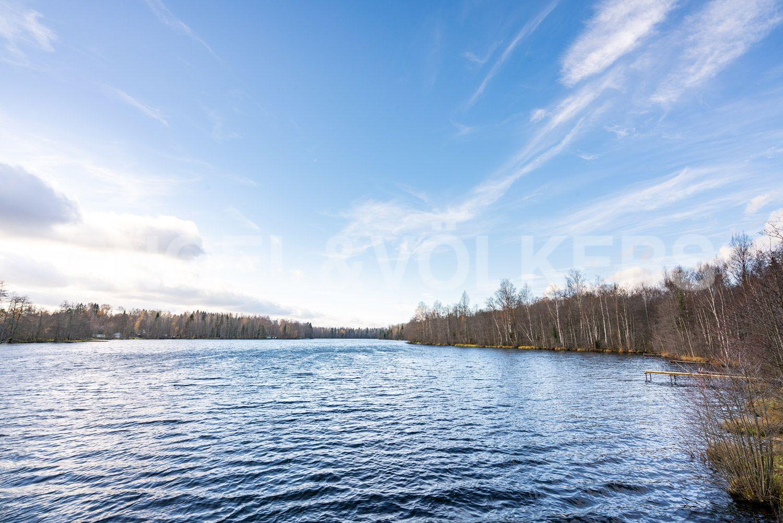 Вид на озеру