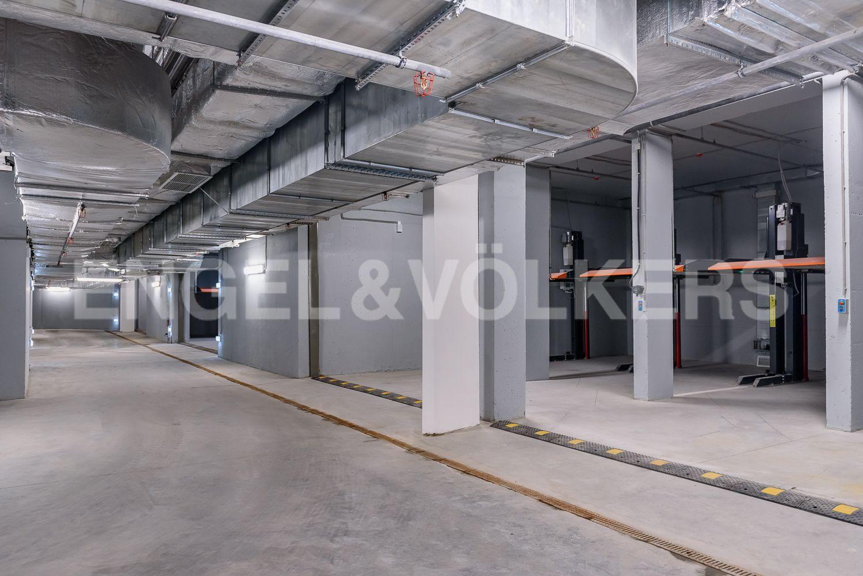 Элитные квартиры в Центральном районе. Санкт-Петербург, ул. Кирочная, 70. 5_Подземный паркинг