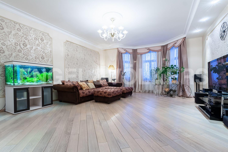 Элитные квартиры в Центральном районе. Санкт-Петербург, ул. 9-я Советская, дом 5, литера А.