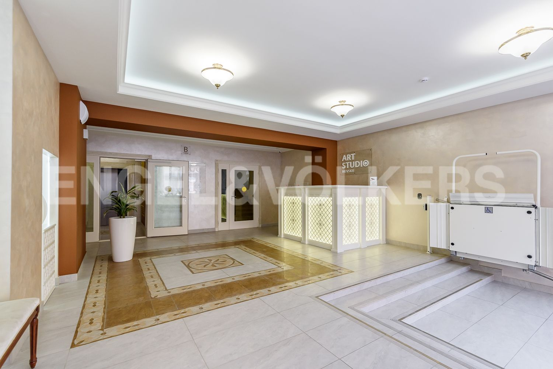 Элитные квартиры в Центральном районе. Санкт-Петербург, 2-я Советская, 4Б.