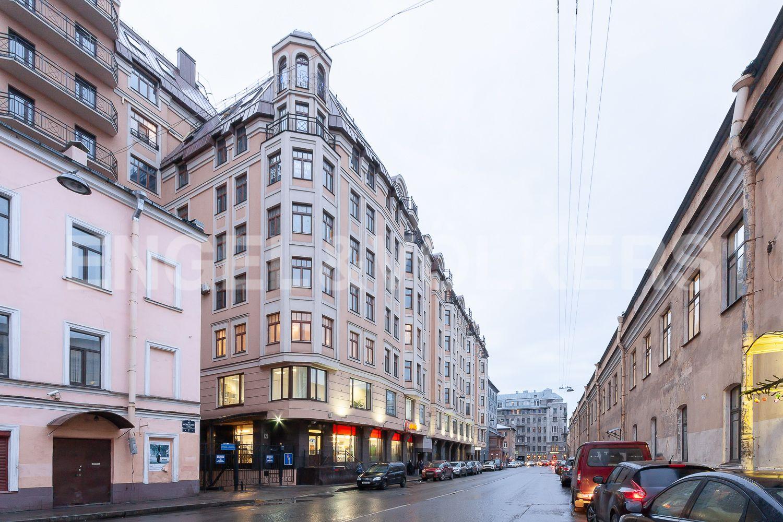 Фасад дома со стороны 9-й Советской улицы