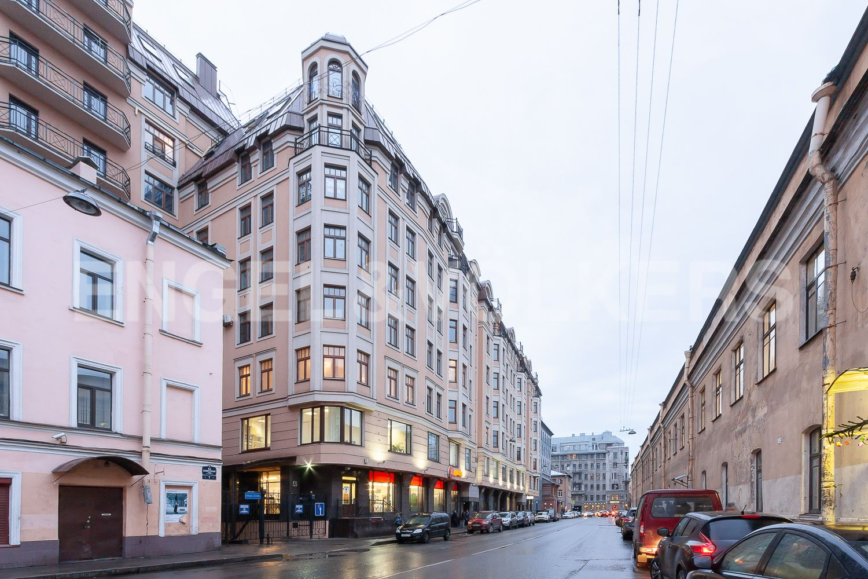 Элитные квартиры в Центральном районе. Санкт-Петербург, ул. 9-я Советская, дом 5, литера А. Фасад дома со стороны 9-й Советской улицы