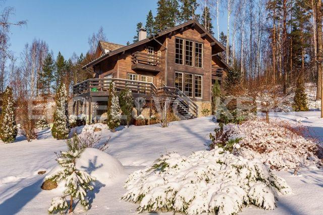 Зеленая роща – загородный дом на благоустроенном участке с русской баней