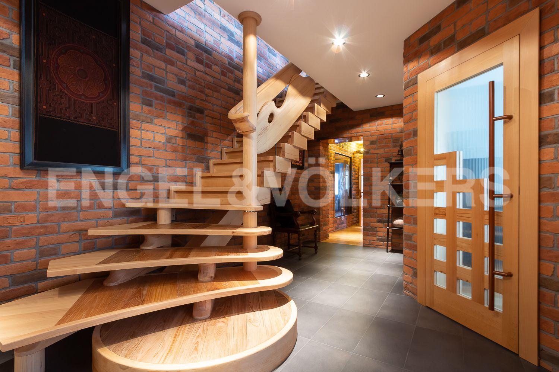 16_Лестница на второй этаж
