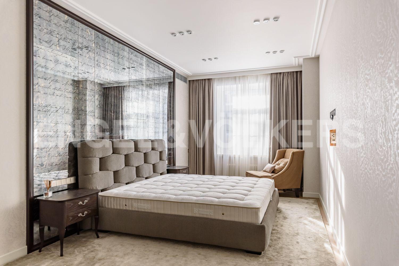 Элитные квартиры в Центральном районе. Санкт-Петербург, Кирочная, 31 к.2, лит. А. Основная спальня