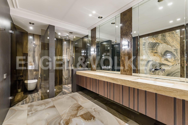 Элитные квартиры в Центральном районе. Санкт-Петербург, Кирочная, 31 к.2, лит. А. Душевая в ванной комнате