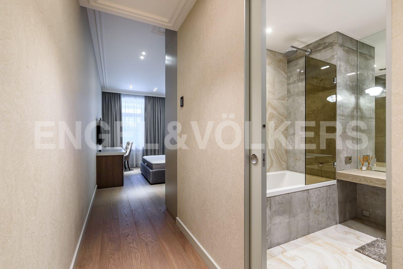 Элитные квартиры в Центральном районе. Санкт-Петербург, Кирочная, 31 к.2, лит. А. Вторая спальня с собственной ванной комнатой