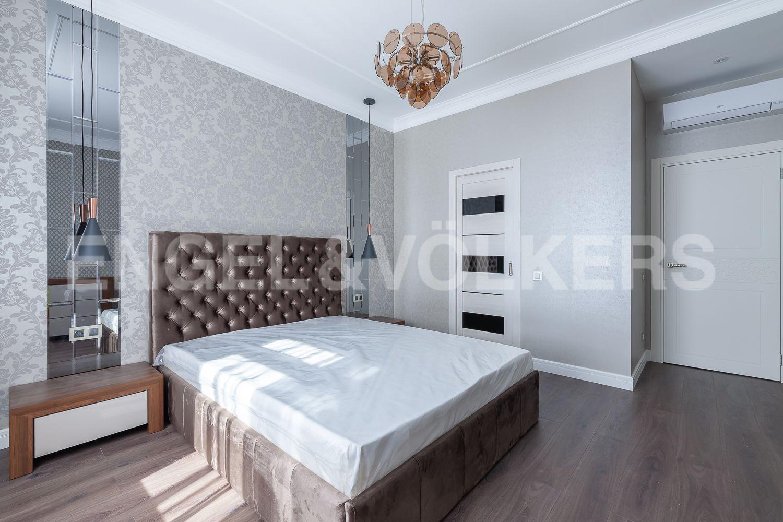 Элитные квартиры в Центральном районе. Санкт-Петербург, Кирочная, 31 к.2. Вторая спальня с собственной гардеробной