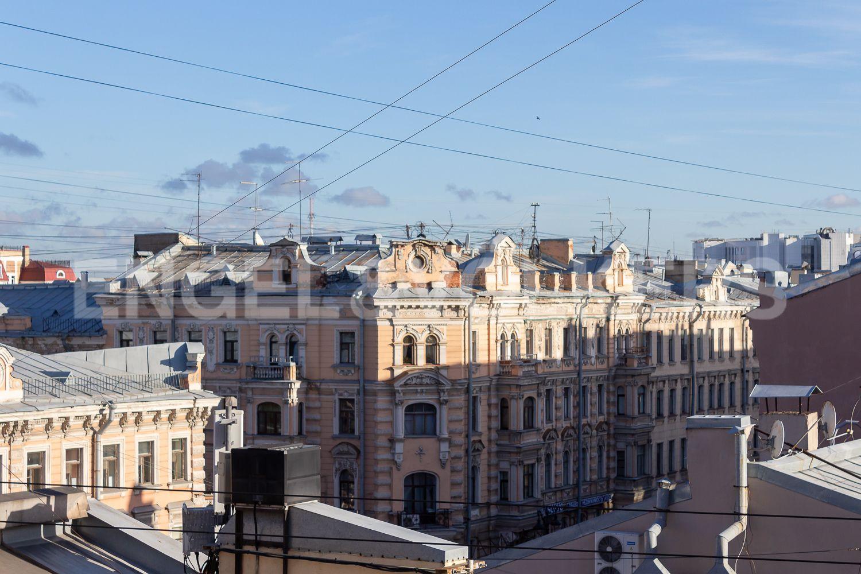 Элитные квартиры в Центральном районе. Санкт-Петербург, Невский пр, 123. 33_Вид из окон второго этажа