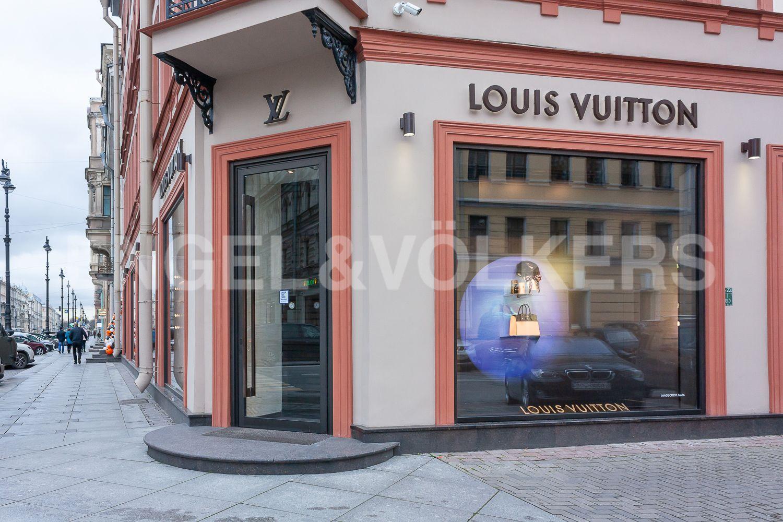 Элитные квартиры в Центральном районе. Санкт-Петербург, Невский пр, 123. 40_Магазины Premium класса