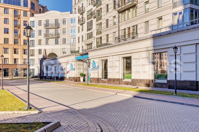 Элитные квартиры в Центральном районе. Санкт-Петербург, Кирочная, 31 к.2, лит. А. Фитнес клуб Parus с бассейном рядом с домом