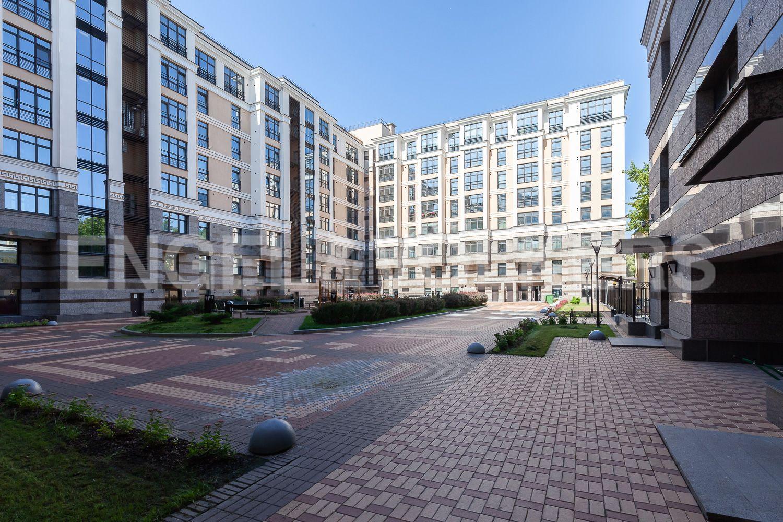 Элитные квартиры в Центральном районе. Санкт-Петербург, Кирочная, 31 к.2. Внутренняя территория дома