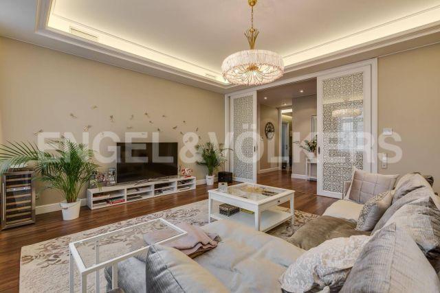 Кемская, 7 – солнечная квартира с видом на Крестовский остров