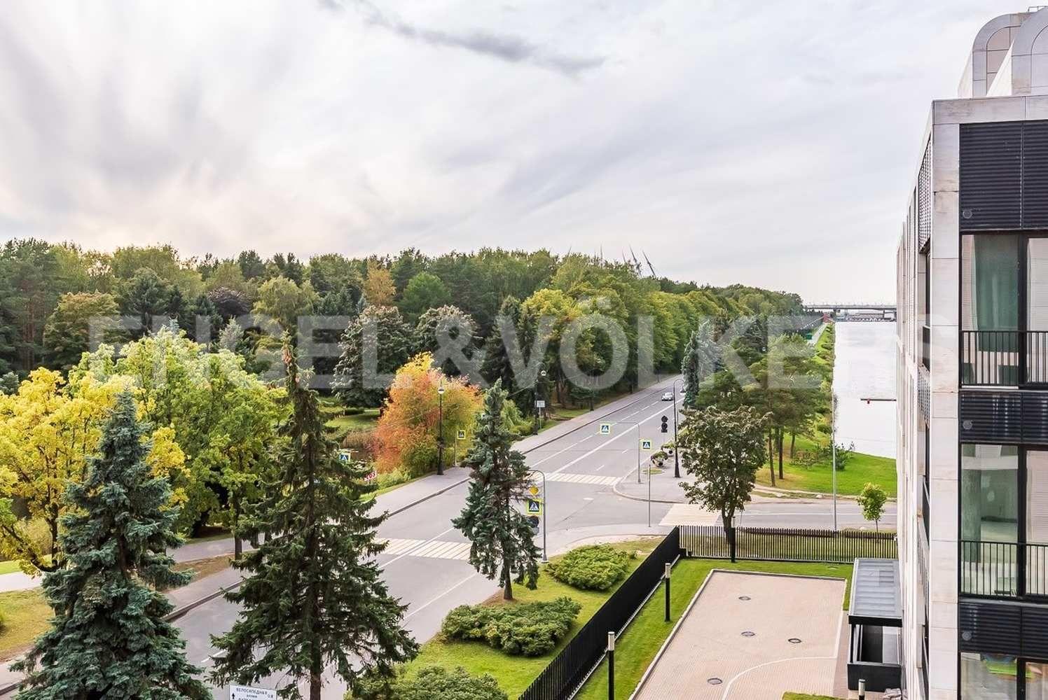 Элитные квартиры на . Санкт-Петербург, наб. Мартынова, 74. Окружение комплекса