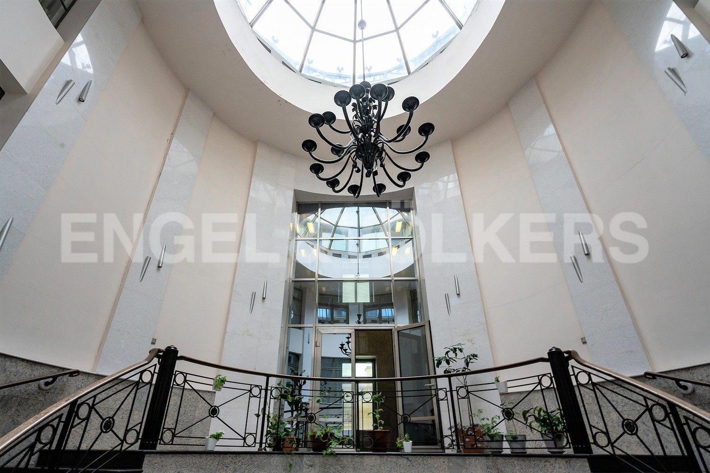Элитные квартиры в Центральном районе. Санкт-Петербург, ул.Гангутская, 8. Входная группа