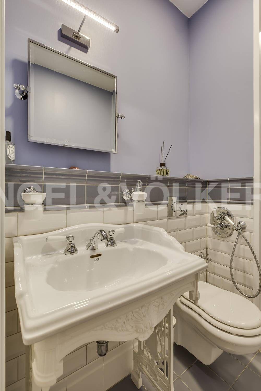 Элитные квартиры на . Санкт-Петербург, ул. Кемская, д. 7. 08_Одна из ванных комнат